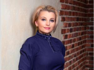 Алёна Романова - писатель, журналист